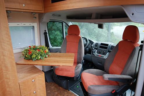 Campingbus Tisch.Joko Wohnmobil Joko 480 Peugeot Boxer