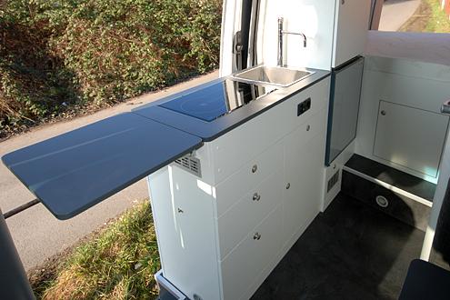 ausbaum glichkeiten der k che im kastenwagen. Black Bedroom Furniture Sets. Home Design Ideas