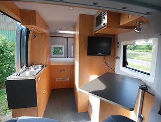 reisemobil fuer eine person von joko wohnmobil. Black Bedroom Furniture Sets. Home Design Ideas
