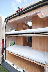 individualausbau fiat ducato mit stockbett von joko wohnmobil. Black Bedroom Furniture Sets. Home Design Ideas