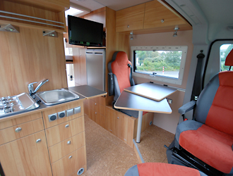 reisemobil gro er dinette auf fiat ducato l2h2 von joko. Black Bedroom Furniture Sets. Home Design Ideas